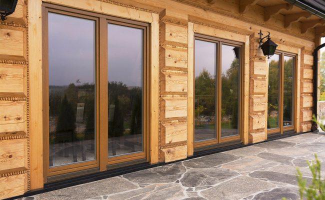 Aussenbereich_Haus_mit_Holzfenster_SOFTLINE_1_3c